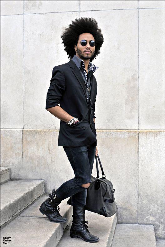 Para montar uma produção cheia de estilo, nada melhor que uma peça descolada como o coturno. Invista! #menswear #mensshoes