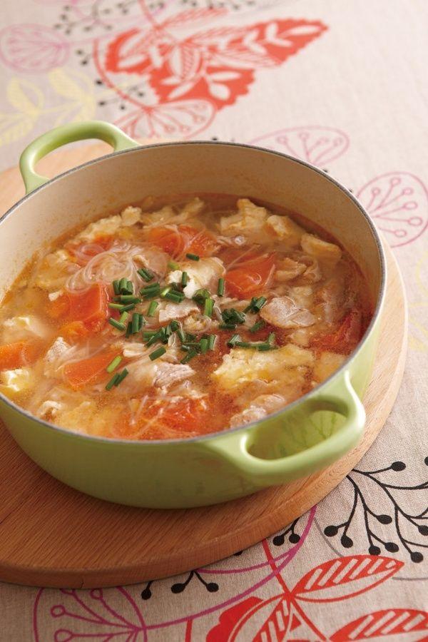 ダイエットに効果的な春雨を飽きずに美味しく食べるには味付けにこだわること。ぷるぷるの食感とつるりとした喉ごしはスープの具材に最適!最後の一滴まで飲み干せちゃう美味しい春雨スープで楽しくダイエットしてみませんか?むくみ予防効果もあるのでおすすめですよ。