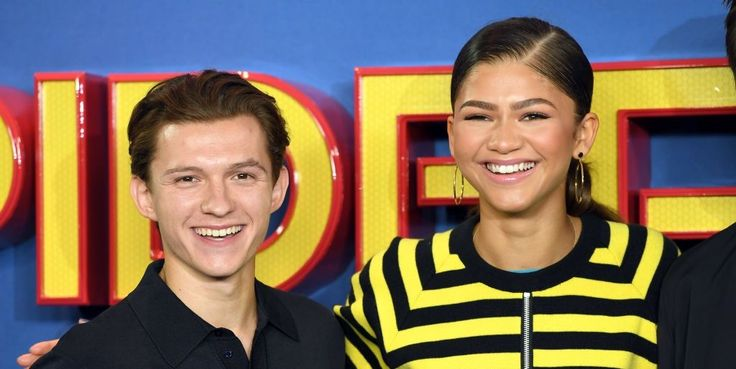 "Zendaya's Parents Totally Approve Of Her BF Tom Holland: ""They Love Him"""