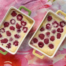 Mini vanilla custards with raspberries (recipe in Polish, translator on the sidebar)