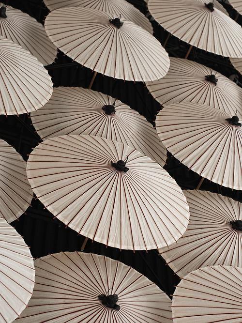 black and white umbrellas    bunburysbees.tumblr.com