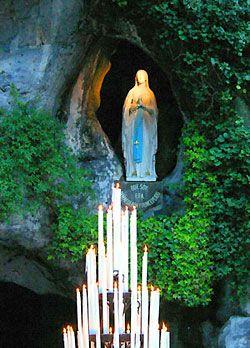 YogaEsoteric :: Lourdes, un loc al vindecării, un loc al iubirii ::
