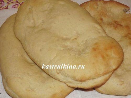 Армянский матнакаш - толстый и пышный лаваш