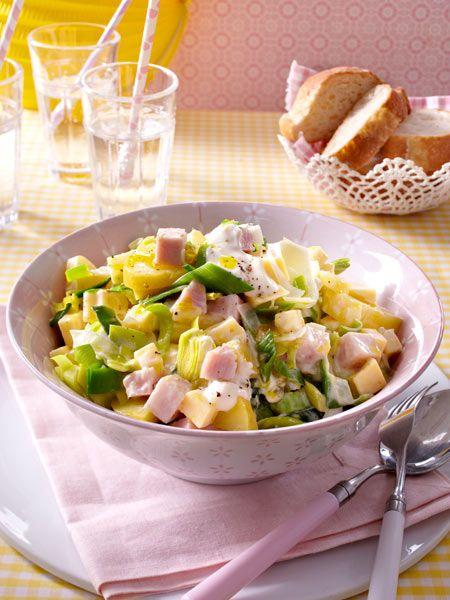 Lauch-Käse-Salat mit geräucherter Putenbrust