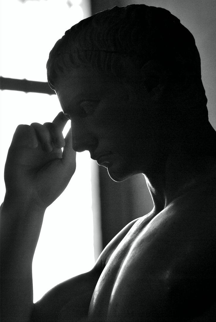 Statua virile come Hermes. 20 d.C. Louvre
