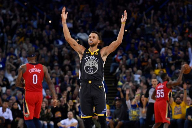 Golden State Warriors' Stephen Curry (30) gestures after scoring a three-point basket against the New Orleans Pelicans during the third quarter of their NBA game at the Oracle Arena in Oakland, Calif. on Saturday, Nov. 25, 2017. Golden State Warriors defeated the New Orleans Pelicans 110-95. (Jose Carlos Fajardo/Bay Area News Group)
