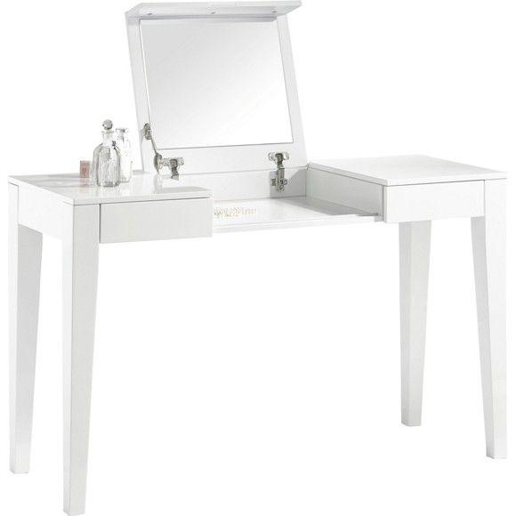 Dieser Schminktisch lässt Frauenherzen höher schlagen. Er besteht aus einer Flachpressplatte mit einer hochglänzenden Oberfläche in zeitlosem Weiß. Bei Bedarf klappen Sie die Spiegelplatte nach oben und profitieren von einem Spiegel zum Schminken. In 2 Schubladen verstauen Sie Ihren Nagellack, Ihr Make-up und Ihren Schmuck. Auf dem ca. 125 cm breiten Tisch findet auch beispielsweise Ihr Parfum einen Platz. Die 4 eckigen Beine garantieren Ihrem Möbel einen sicheren Stand.