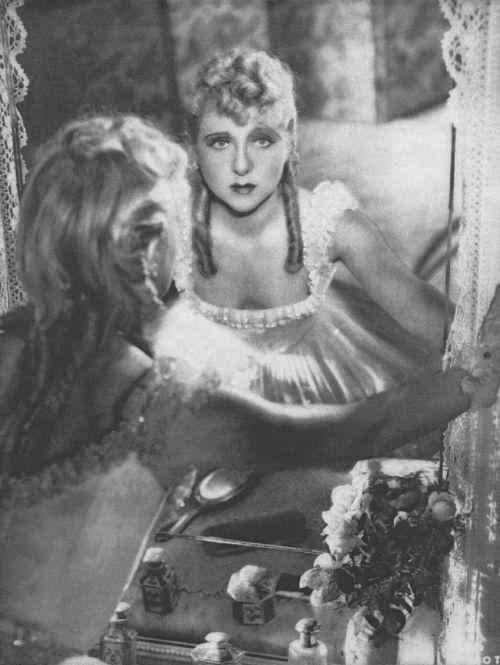 Yvonne Printemps Les trois valses, Ludwig Berger (1938).