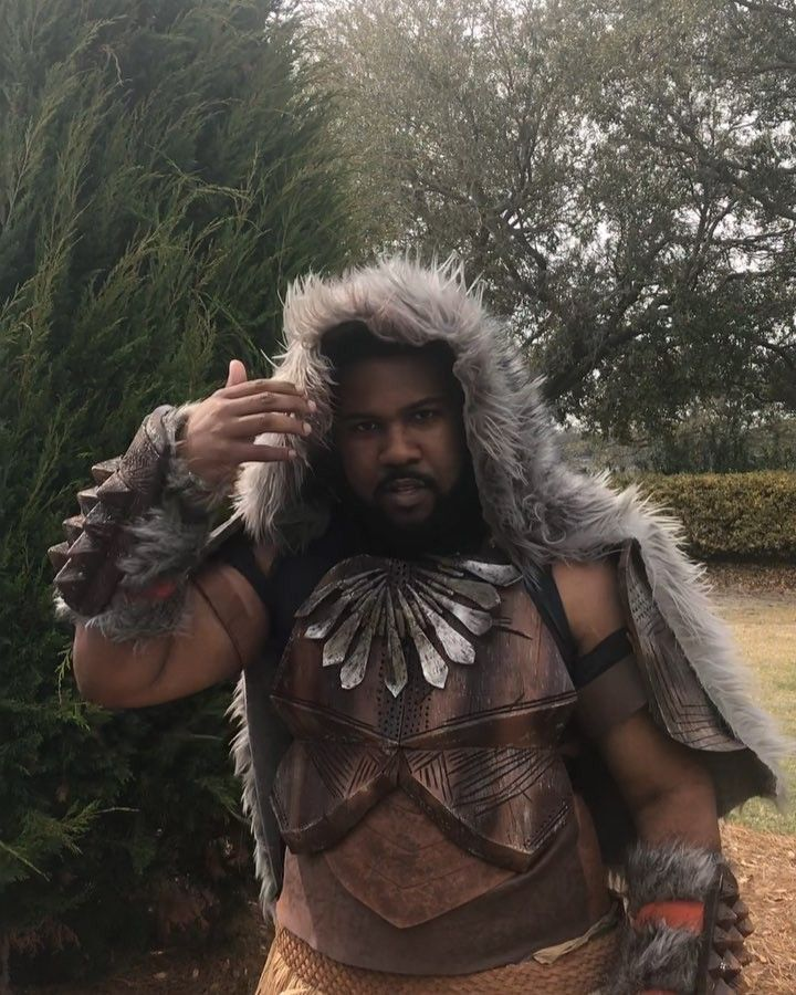 Had to try my hand at the #mbakuchallenge in my MBaku Cosplay. Hope you all had a chance to see the Black Panther movie!!!! It was absolutely AMAZING and deserves all the praise. Big congrats on the film hitting 1 Billion Dollars today  @winstoncduke @marvelstudios @ryancooglerofficial @lupitanyongo @trevornoah  #cosplayer #cosplaying #cosplayersofinstagram #poccosplay #cosplaylife #blerd #cosplayingwhileblack #fortheculture #jabaritribe #photographer #representationmatters #blackcosplay…