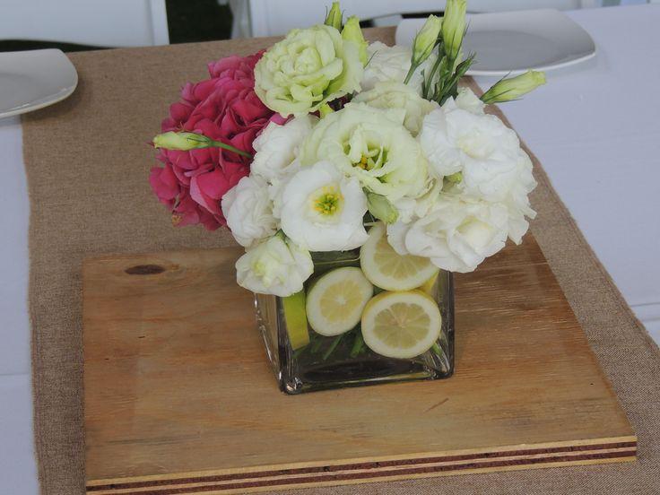flores centro de mesa, limon, lisianthus, hortensia