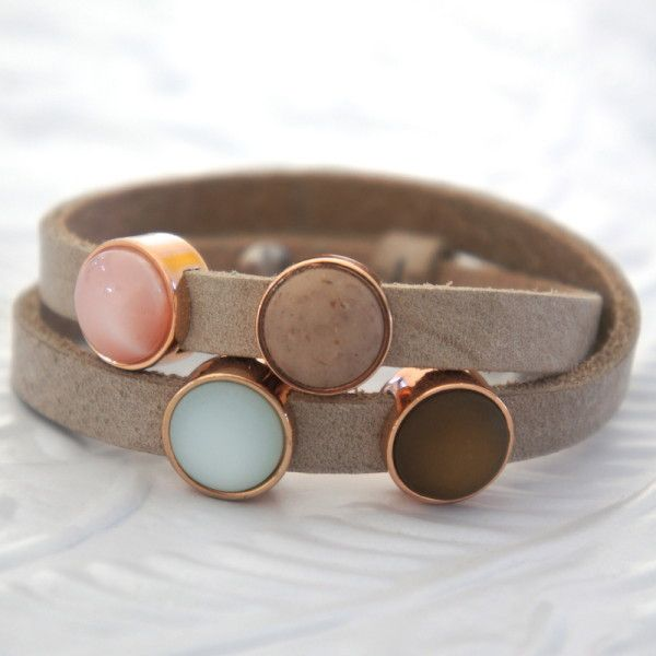 Beige leather bracelet - leren wikkelarmband | NORR