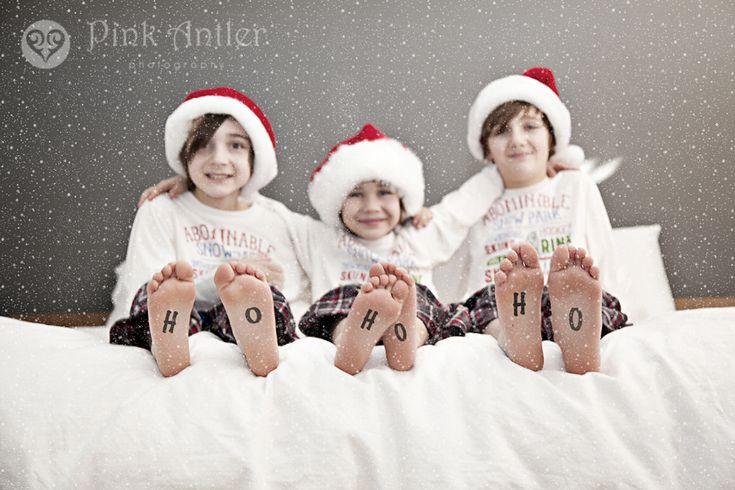 Cute indoor Christmas photo shoot idea.