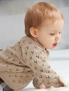 long-sleeved baby cardigan lace free knitting pattern