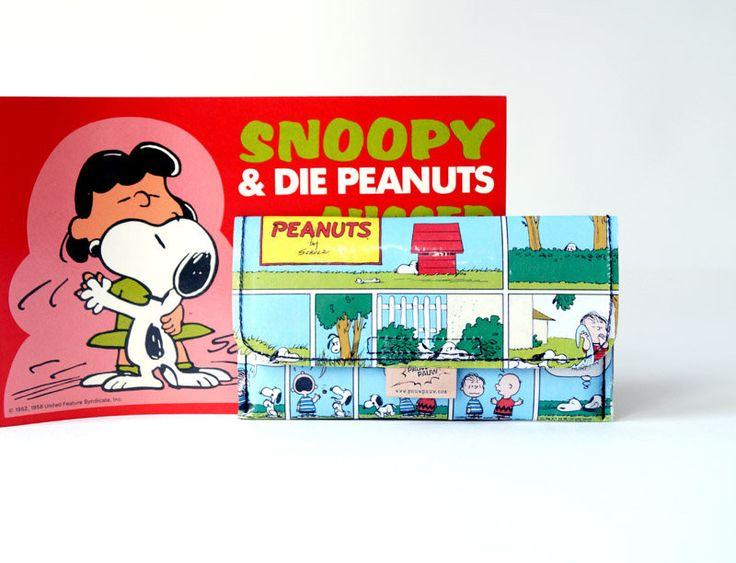 Tabaktasche SNOOPY & PEANUTS Comic upcycling Unikat! PauwPauw Tabakbeutel, Tabaketui, Snoopy Comic Tasche Recycling handmade in Berlin von PauwPauw auf Etsy