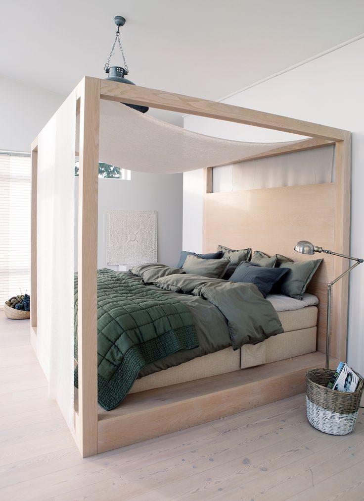 HIMLA Urban bed linen in soft cotton satin and Delia silk bedspread.