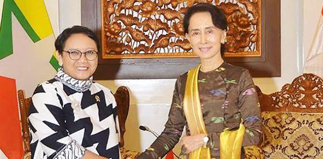 Berita Islam ! Dari 5 Permintaan Indonesia Cuma 1 Yang Dikabulkan Myanmar... Bantu Share ! http://ift.tt/2eISnzu Dari 5 Permintaan Indonesia Cuma 1 Yang Dikabulkan Myanmar  Menteri Luar Negeri Retno Marsudi baru saja bertemu pemimpin Myanmar Aung San Suu Kyi pada hari Senin (4/09) kemarin. Hasilnya dari lima permintaan yang diajukan Indonesia Myanmar hanya menyetujui 1 usulan yaitu izin masuk bantuan internasional ke daerah konflik. Indonesia merupakan satu-satunya negara yang bisa masuk dan…