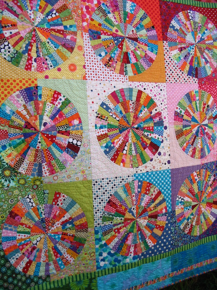 beautiful pinwheel quilt  This I have to attempt... someday...