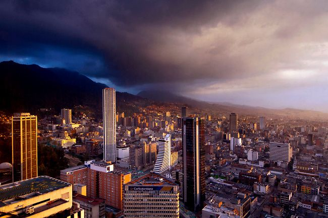 http://cdn.c.photoshelter.com/img-get/I0000WCFGm62tXKg/s/650/650/Dramatic-Sky-Over-The-Skyline-Of-Bogota-Colombia.jpg