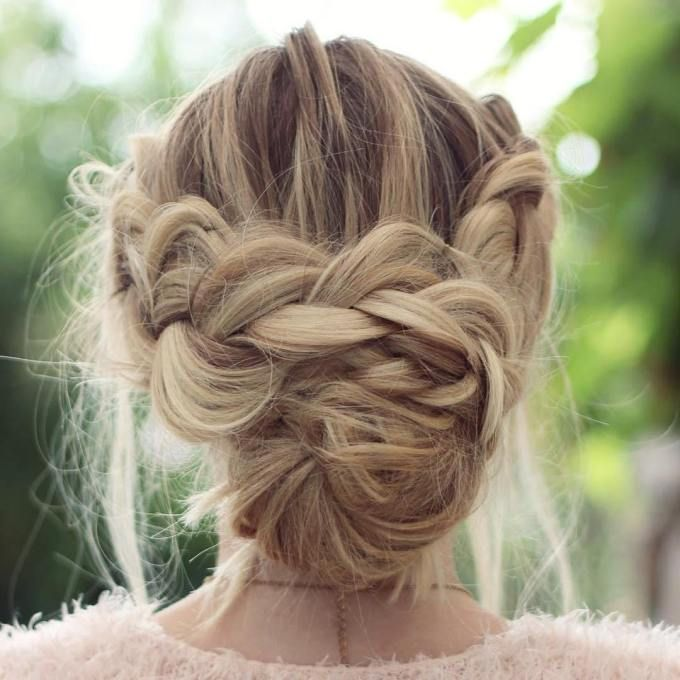 40 Lovely Low Bun Hairstyles For Your Inspiration Low Bun