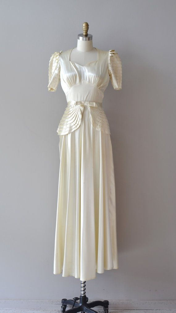 1930 | Rich Ivory Silk Satin Wedding Gown with Sweetheart Bodice, Short
