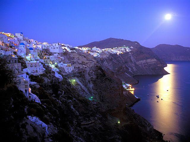 santorini - greece: Bucketlist, Buckets Lists, Santorini Greece, Santorini Islands, Santorinigreec, Favorite Places, Beautiful Places, Greek Islands, White Wall