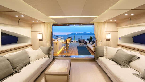 2014 ShowBoats Interior Design Award Semi Displacement Motor Yachts Hot Lab Yacht For Columbus Sport Hybrid 40M Desig
