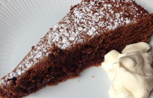 Vappu Pimiän ranskalainen suklaakakku