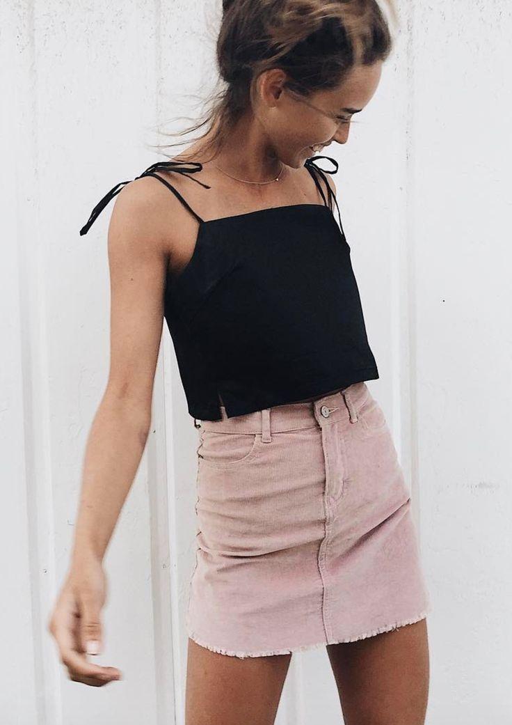 Crop top + falda vaquera alta