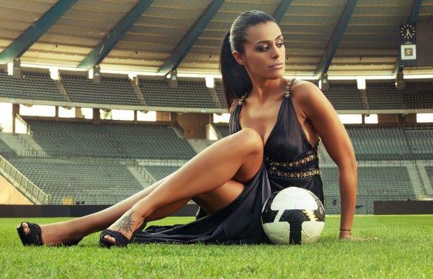 Kadınlar neden futbol izlemeli ?