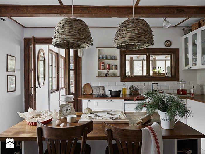 nastrojowa kuchnia w stylu rustykalnym