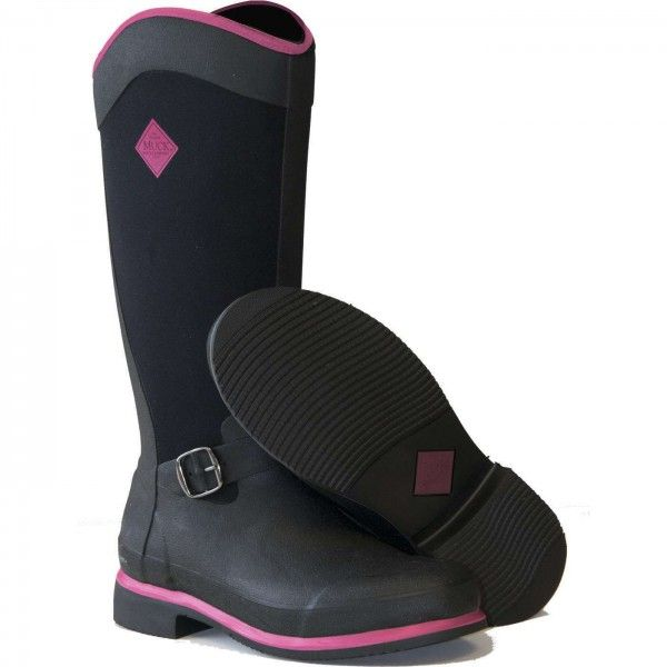 Muck Boots Reign Tall Black / Hot Pink :http://www.poshgarden.co.uk/product/muck-boots/muck-boots-reign-tall-black-hot-pink/