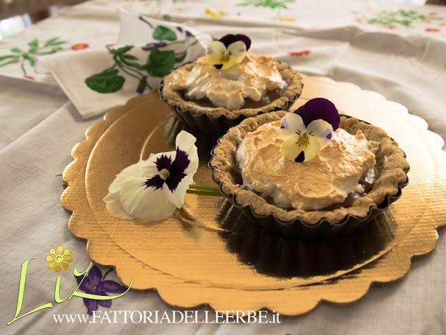 FATTORIA DELLE ERBE #Crostata senza #glutine con crema di #arance, #meringa e #viole - Orange cake with #viola
