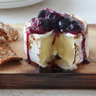 smoky brie with blueberry sauce