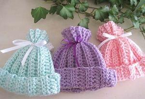 Rib-look crochet Baby Hat: free pattern by charlotte.romero.5