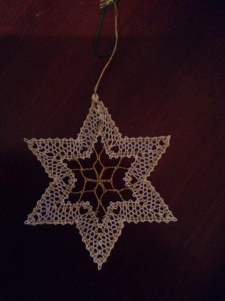 Bobbin lace star
