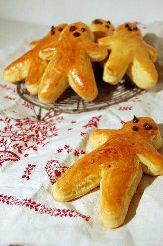 Spécial Alsace : Manalas de la St Nicolas avec chocolat chaud et une mandarine!