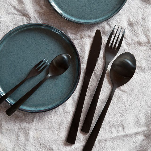 In stores now. Cutlery, mat black finish. Price per item from DKK 16,90 / SEK 22,90 / NOK 22,40 / EUR 2,37 / ISK 478  #cutlery #bestik #black #sort #borddækning #interior #interiør #sostrenegrene #søstrenegrene