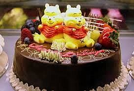 #HaapyBirthday #specialcake #pooh #chcolate #fruits #special for someone