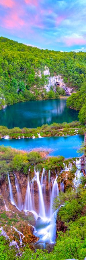 TOP 18 Most Beautiful Lakes In The World