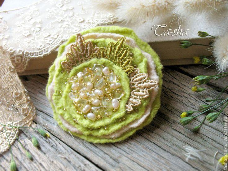 Felt pin- Lemongrass by Ta-Shamanka