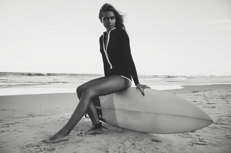 Black & white beauty @karri_nicholas wearing our La Kasbah long sleeve surf suit  #duskii #duskiiactive #surfsuit