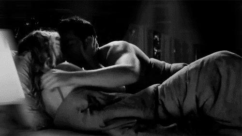 """desejosseducaooficial: """" Não gosto de olhar pra traz Mais tenho saudades de nossos lençois Bagunçados, e nossa cama desarrumada Depois de uma linda noite de amor ! Analice Michelly 19/07/2016 """""""