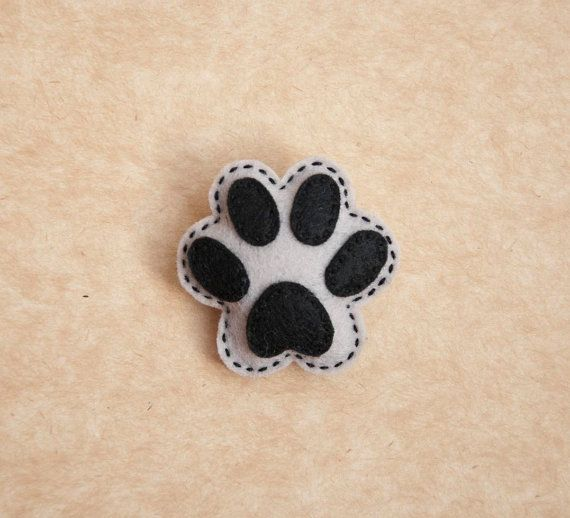 Puppy paw felt brooch. $9.50, via Etsy.