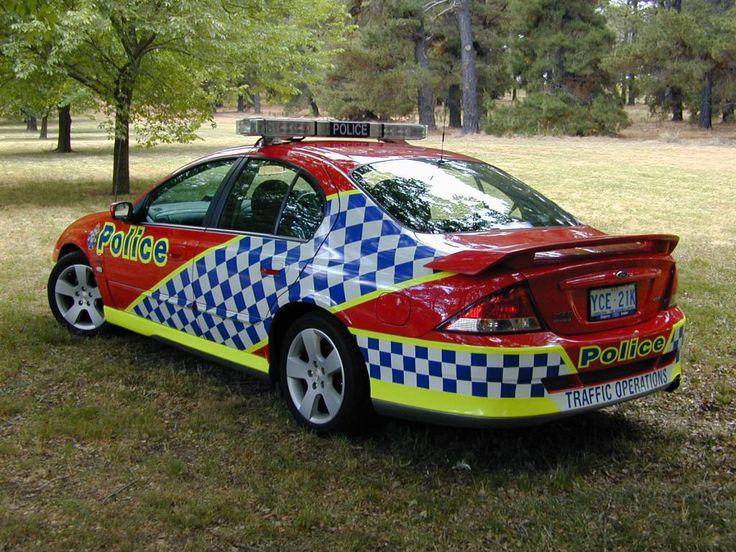 Australian Police Cars > Gallery > Australian Federal Police > Image: xr8_gm_2