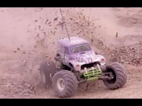 Traxxas Grave Digger Slow Motion Action!