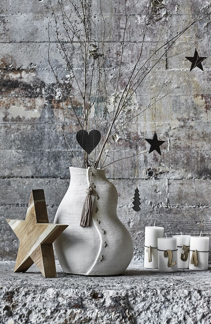 Make beautiful Christmas decorations by combining teak and upcycled rubber.