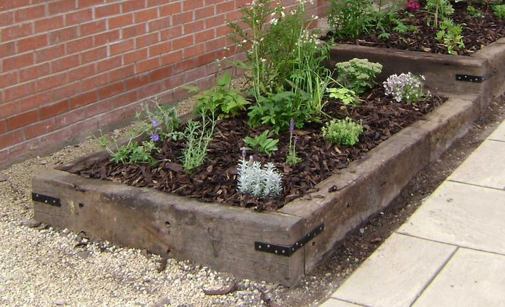 25 best railroad ties landscaping ideas on pinterest for Alternative garden edging