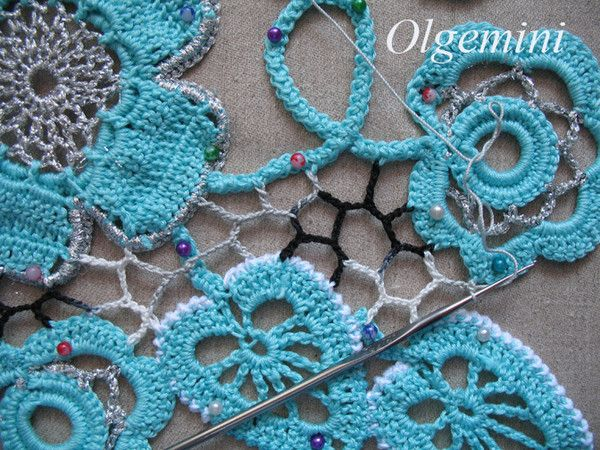 """tutorial on working a non-linear, """"irregular grid"""" between motifs in Irish crochet by Hook and tassel » Once again on an irregular grid - in Russian, use Google Translate if you need the text"""