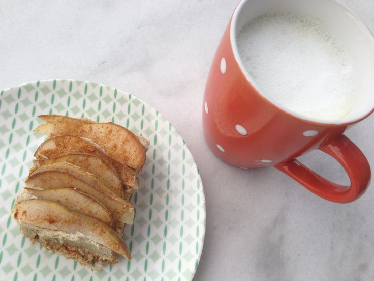 Green Tea Coconut Milk Latte with a no-bake pear spice square tart. Gluten-free, dairy-free, vegan deeeliciousness!