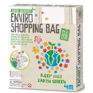 ΚΑΤΑΣΚΕΥΗ ΟΙΚΟΛΟΓΙΚΗΣ ΤΣΑΝΤΑΣ ΓΙΑ ΨΩΝΙΑ Δημιούργησε τη δική σου οικολογική τσάντα για να μεταφέρεις τα πράγματά σου αλλά και για τα ψώνια σου! Χρησιμοποίησε την στα καθημερινά σου ψώνια και θα βοηθήσεις να σωθεί ο πλανήτης ελαττώνοντας τη χρίση των πλαστικών. Στη συσκευασία θα βρεις μία τσάντα, στένσιλ με σχέδια και γράμματα αλλά και οδηγίες στα Ελληνικά.